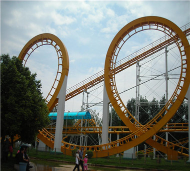Four Ring Roller Coaster
